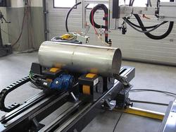 Welding of longitudinal and circumferential welding seams